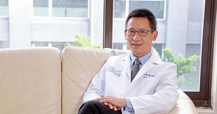 新竹口腔外科權威沈炯志醫師:挑選植牙診所時應該注意的三個眉角@正妹看牙醫-台灣好東西